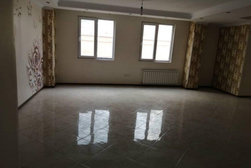خرید آپارتمان چهارباغ شرقی